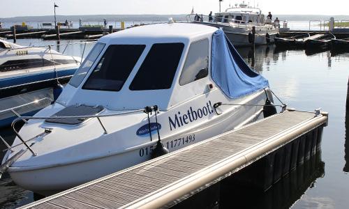 Unser Familienboot, an zwei Standorten buchbar. :: Bootsverleih :: Müritzfischer