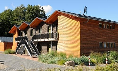Rückansicht der Ferienwohnungen :: Ferienwohnung in Eldenburg :: Müritzfischer