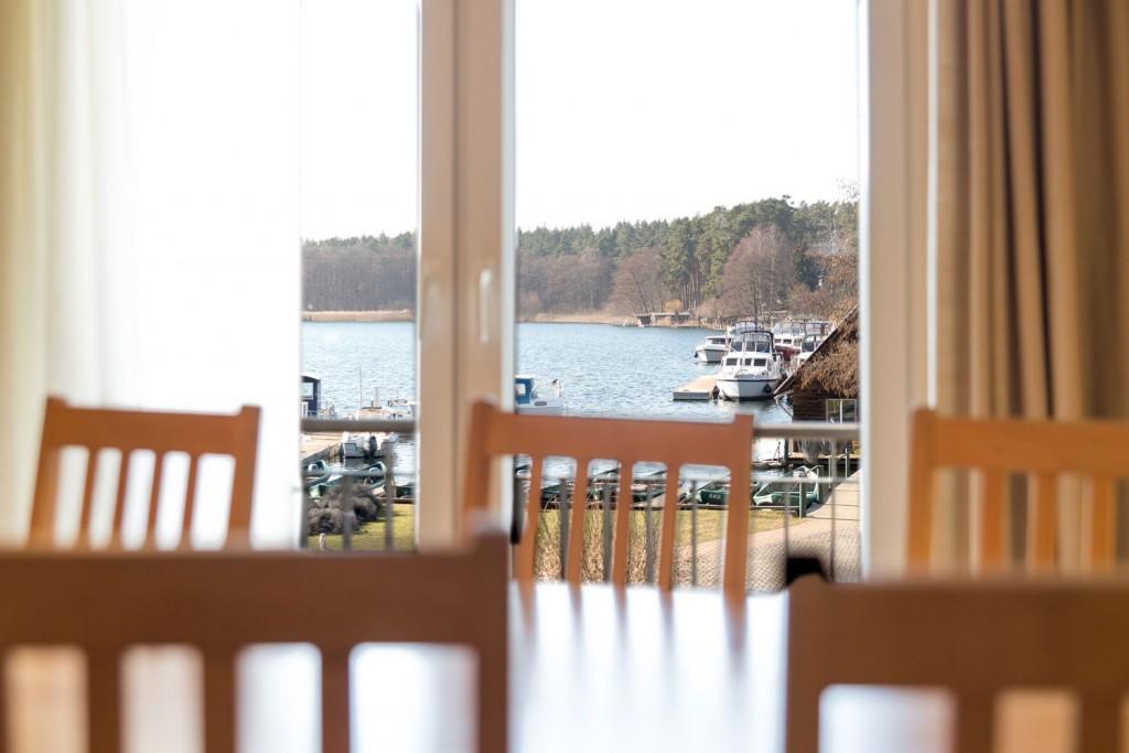 Freier Blick auf den See :: Ferienwohnung in Eldenburg :: Müritzfischer