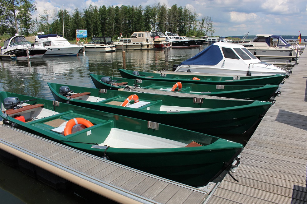 Unsere Angelboote stehen auch in Krakow für Sie bereit. :: Ferienwohnung Krakow am See :: Müritzfischer